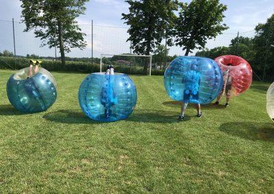 Kule Bumper Ball na imprezie w klubie sportowym koło Krakowa