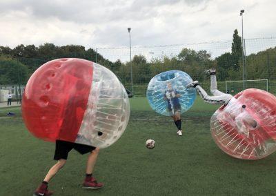 Walka do samego końca w Bubble Football podczas gry we Wrocławiu